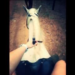 Minette + Faith the horse