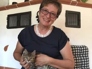 Steffi and little Lilly during a housesit