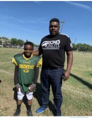 Football game with the Star Running Back