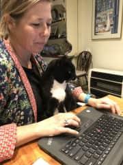 Smudge working with Tamara