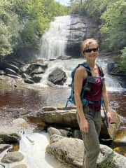 I love hiking to waterfalls ❣️