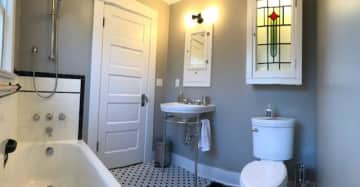 Recently remodeled rivate bathroom for housesitters.