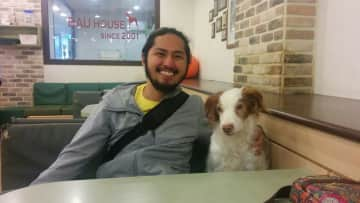 Jeff out on a date with a cute brunette. LOL! Taken during another trip to South Korea in 2016 at Bau House (a dog cafe) to spend a whole afternoon with the dogs, this time, with Jeff.