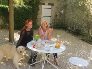 linda & charlie & friend in France