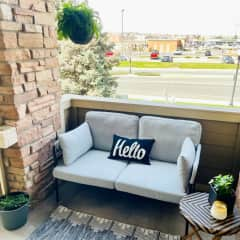 Patio! Starbucks, a grocery store, McDonald's, Freddy's, and other numerous restaurants all within walking distance!