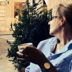 Carol, espresso, Italy