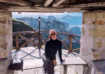 Hiking the monoliths and monasteries in Meteora.