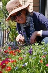Brigitte, gardening