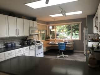 Kitchen & Breakfast Nook
