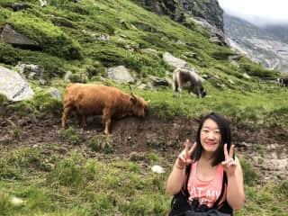 Posing like an Asian tourist