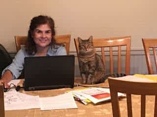 Carmen and mama at work :)