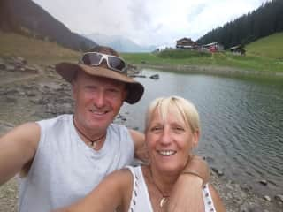 James and Julie walking in the french mountains