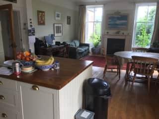 Kitchen/family room 2