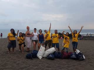I am an eco warrior (that'll save you in electric bills!) - beach clean up, Bali