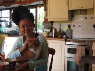 Mel pets Jelly cat.