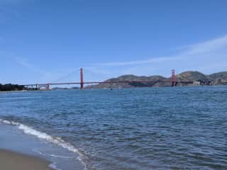 3 blocks from the Marina Green and Crissy Field, right on the water!