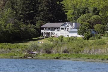 Beautiful waterfront at the head of Cultus Bay on Whidbey Island