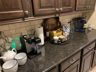 Butler pantry/coffee bar