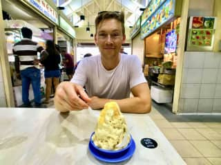 Having ice cream in the hawker stalls of Singapore