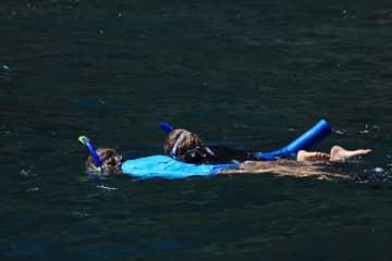 snorkeling on the Name Pali coast
