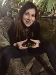 Sandra simply loves all animals, here with a turtle