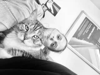 Neko, my Berlin cat (and Zazu in the background painting ;)