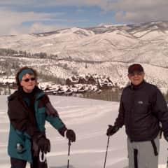 Lorenzo and Carolyn skiing at Beaver Creek.