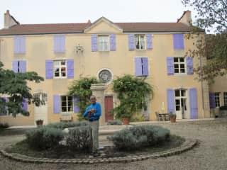 Burgundy, France cat sit September 2013