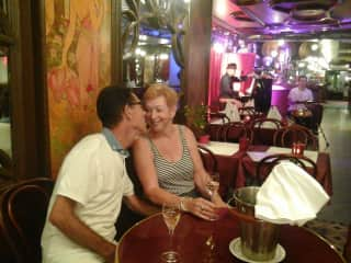 A birthday kiss in  Montmartre