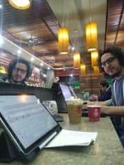 Flavio works online from Colombia as an architect. Also, he is teaching English.
