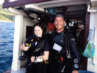 Richelle getting her advanced scuba certification