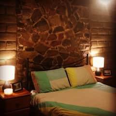 Main bedroom with Queen bed and en-suite.
