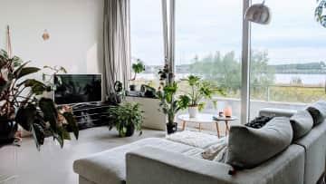 living room, 2nd floor