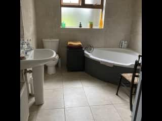 Main bathroom with walk in shower.