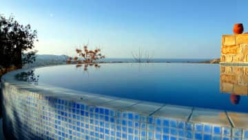 Swimming pool looking to the sea