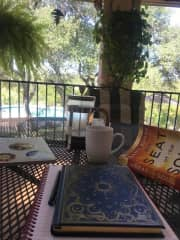 Hanging out at a housesit in Austin, TX 2018. This is typically what I'm doing most days. Working, reading, journaling, writing. :)