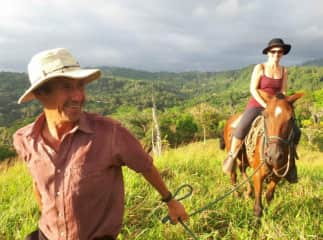 Isa and Tacos, horse of Franklin, Costa Rica