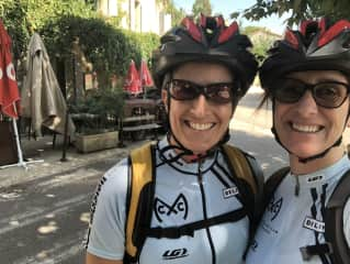 Jeannette and Suzy on bikes in Aix, France