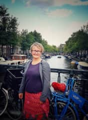 I like to travel. Here I am in amsterdam.