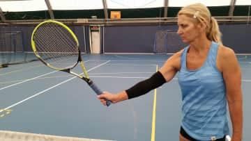 I like to play tennis and squash