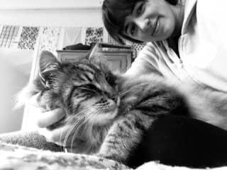 Me and my favorite cat Francy (8+ years of petsitting him)