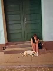 Making a friend in La Habana, Cuba