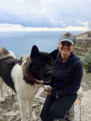 Trekking all over Sicily with Scandal the Akita.