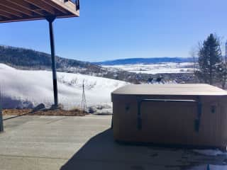 Hot tub with views to south valley