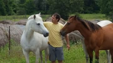 """Kevin loving on my parent's horses """"Dolly"""" & """"Samantha"""""""