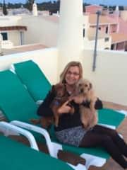 Pet sitting in Portugal, Mini & Brownie