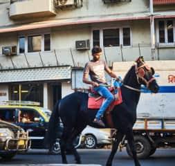 Elliot is a travel photographer - Mumbai 2017