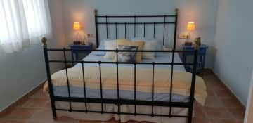 Sitters bedroom with en suite