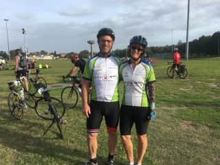 Shaun and I at the start of Sydney to Wollongong ride for MS last year