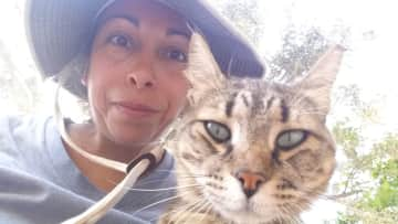 This kitty from Jacob's Ridge Animal Sanctuary really wanted a selfie